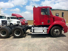 2007 Freightliner Red